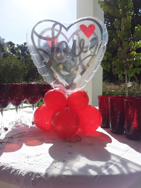Centerpiece - Shaped 18 Inch See-thru Heart