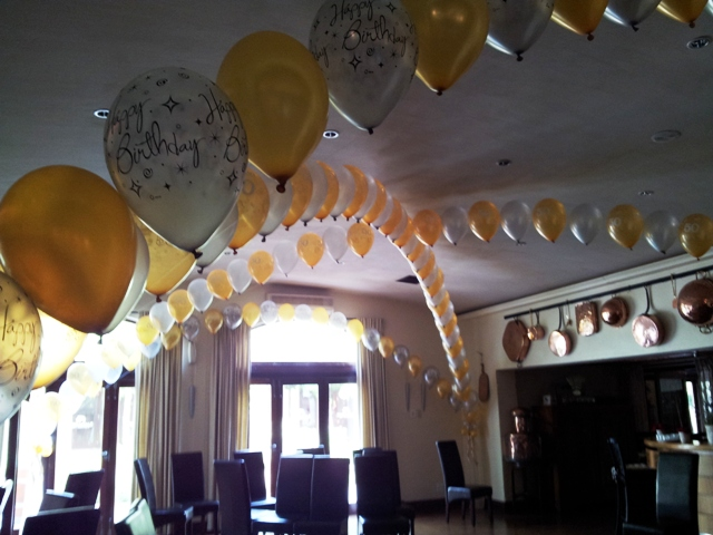 Criss Cross Helium Balloon Arch - A