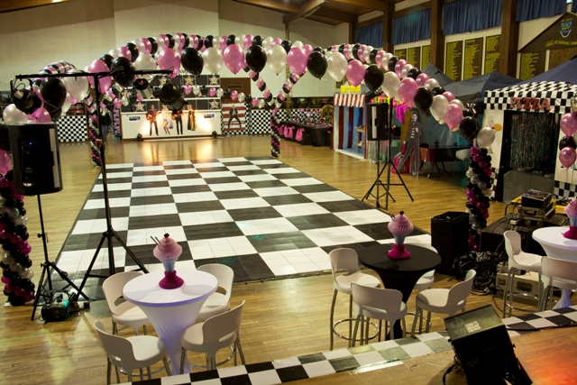 Full Criss Cross Helium Balloon Arch - C