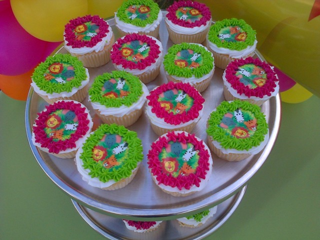 Jungle Picture Cupcakes (24)