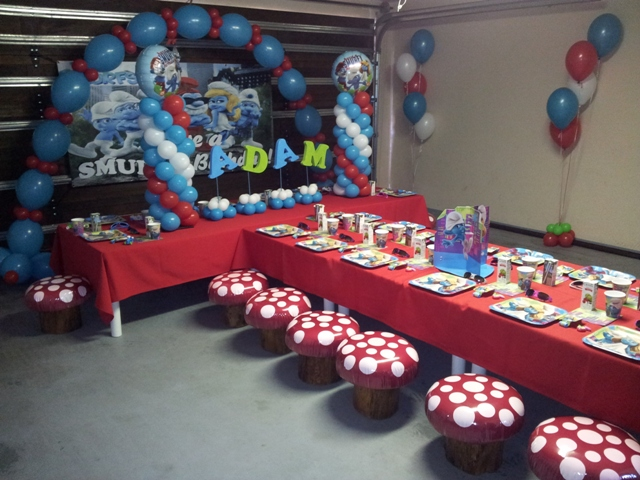 Party balloon decor smurfs for B day decoration