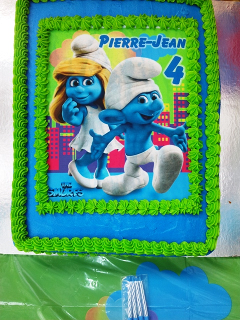 Smurf Picture Cake (1) - B